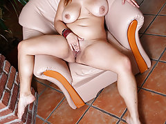 Horny plump hoochie doing a wild and hard hand solo