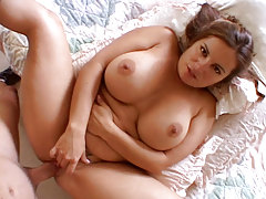 Hot Mom Gives Crazy Blowjob & Gains Fucked Madly