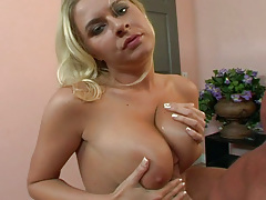 Horny Riley Evans Loves To Blow Peter North's Sex cream