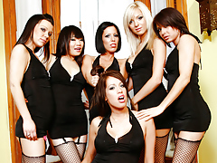 The Gathering Continues With 6 Hot Girls In An Awesome Gang Bang