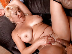 Cruel MILF Getting A Cock In Nice Doggy Style Position