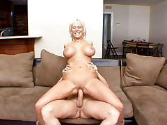 Some sexually aroused slut gets her tight anus full of warm sex cream
