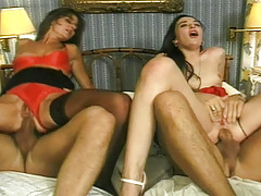 Foursome with 2 sluts who gets fuck hard in a bedroom