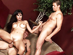 Long haired queen fucking 2 gay gentlemen in hardcore 3some