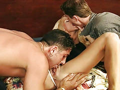 Fairy courtesan shows her sucking talents in hot threesome!