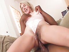 Sexy Erica Lauren picks up brown chap then fucks his cock.