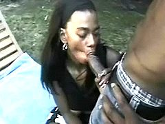 Ebony beauty slurping cum