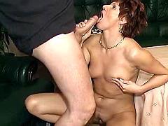 Milf gets licked n blows