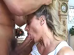 Mature slut devours sperm