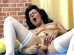 Dildo makes granny come