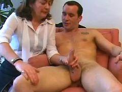 Mom sucks cock w pleasure