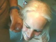 Men jizz by turns on face of granny