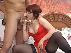 Vixen sucks guy after oral surprise
