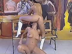 Hot lezzie licks exotic babes pussy