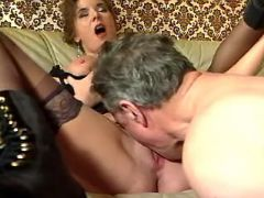 Man licks out wet pussy of granny