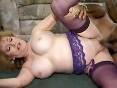 Horny mature chick wants it hard