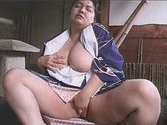 Busty asian BBW rubbed her pussy