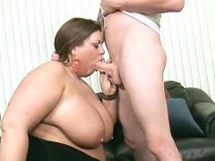 Funky chubby girl sucks meaty cock