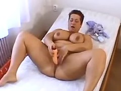 Hot BBW w big tits dildoing herself