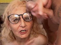 Aged mom gets facial after hot fuck