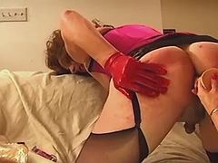 Nice shemale dildoed by mature mom