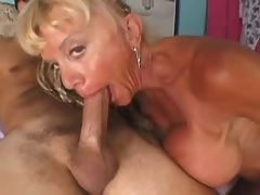 Mature babe moans while fucked deep