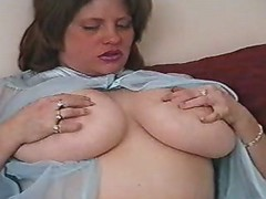 Kinky mature woman sucks hard dick
