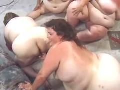 Superfat matures in orgy