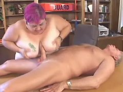 Chubby chick blowing dick