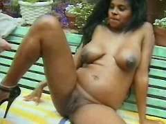 Preggy ebony seduces guy