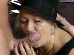 Old whore in hat sucks
