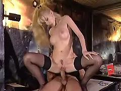 Secretary jumps on dick