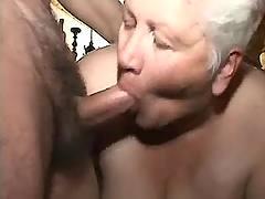 Fat grandma makes oral