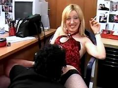 Secretary relax with men
