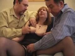 Granny n men enjoy oral