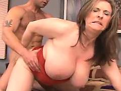 Chesty mature gets fuck