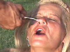Milf gets facial outdoor