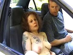 Oldie throats in the car