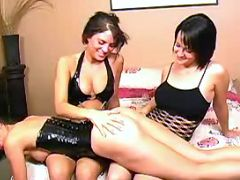 Girls get lesbo lesson